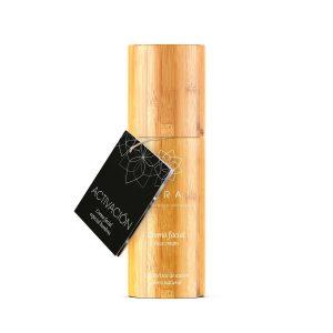 Crema facial hombres elaborada en Terai cosmetica natural y de venta en tienda online y tienda fisica en Bilbao