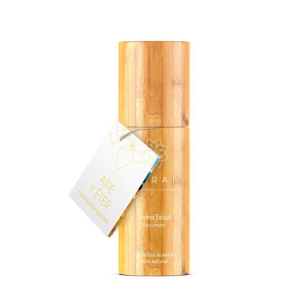 Crema facial hidratante para piel seca elaborada en Terai cosmetica natural y de venta en tienda online y tienda fisica en Bilbao